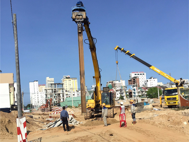 Measurement of vibrating hammer with larsen at construction section of sewage collection pipeline, transmission network of level 1 and 2 networks and sewage pumping station in My Khe - My An, Ngu Hanh Son - Son Tra District, Da Nang City